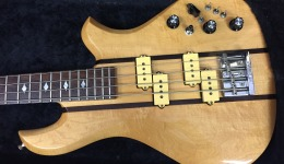 B.C.RICH EAGLE BASS